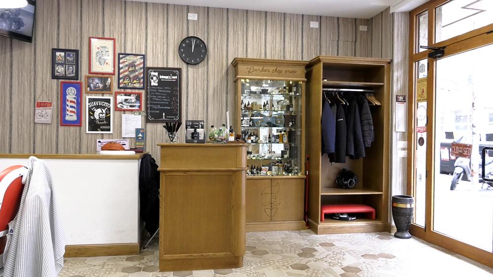 Barber shop crew rizzo wood design for Arredamento barber shop