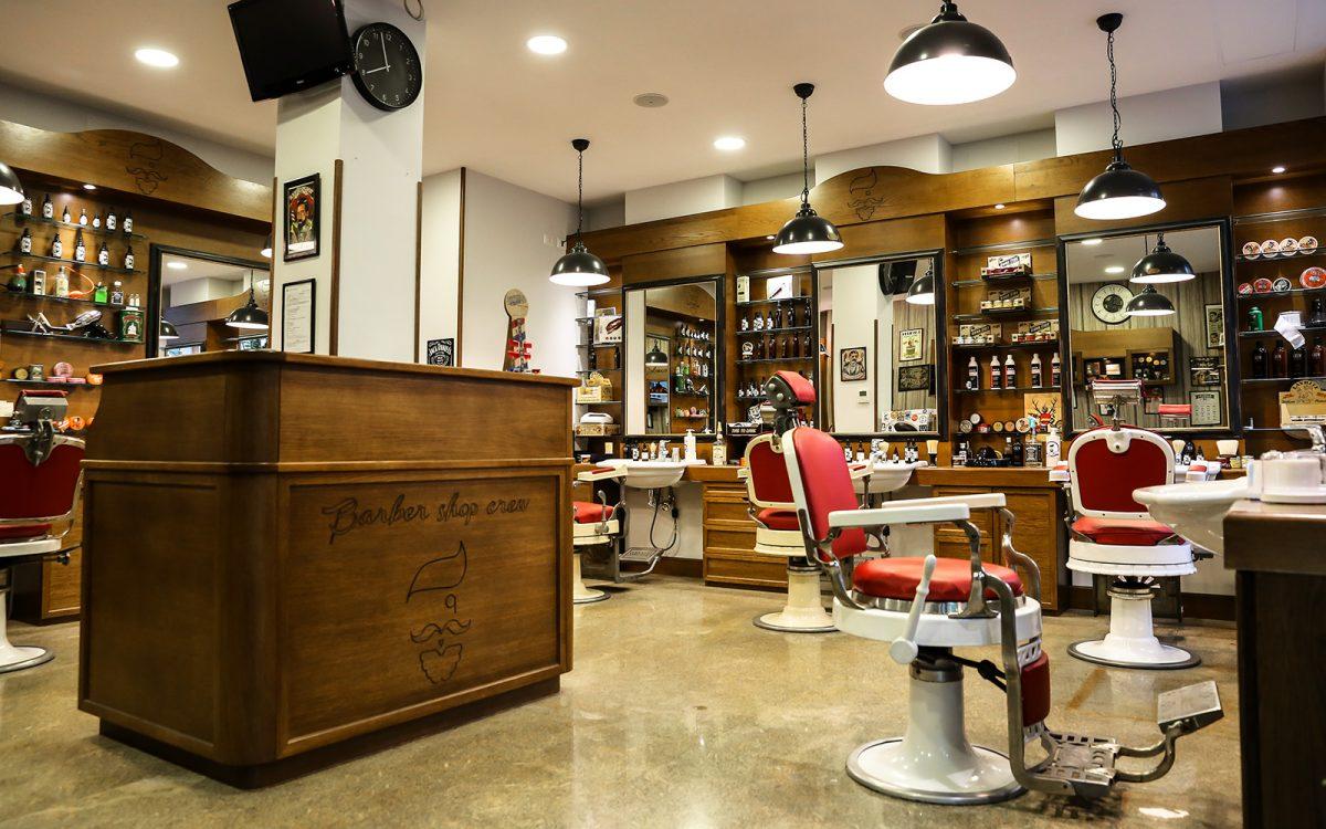 Come arredare un barber shop parte 6 la reception wood for Arredamento barber shop